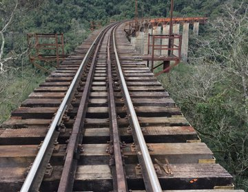 Travessia da Ferrovia do Trigo