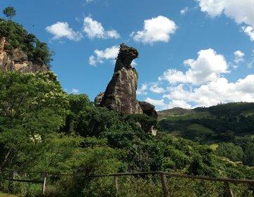 Parque Cão Sentado e Pico Caledônia