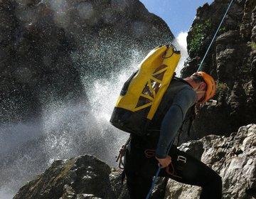Canionismo no Parque Nacional da Chapada dos Veadeiros