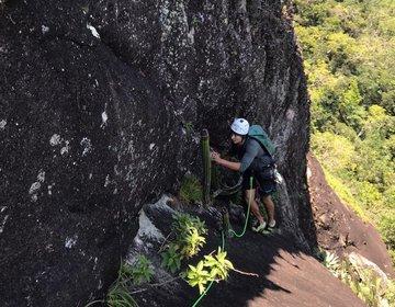 Escalada na Agulhinha da Gávea - Via Olimpo (3º IVsup)