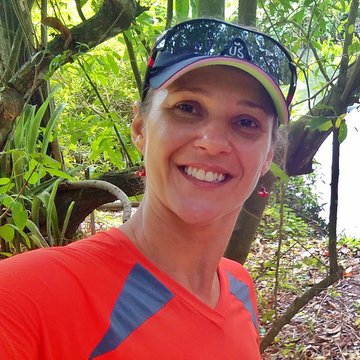 Claudia Melo
