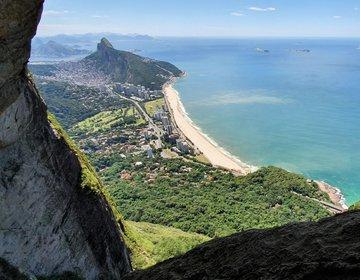 Pico dos Quatro (P4) com Garganta do Céu