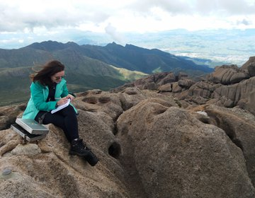 Pico das Agulhas Negras e Maciço das Prateleiras - PNI