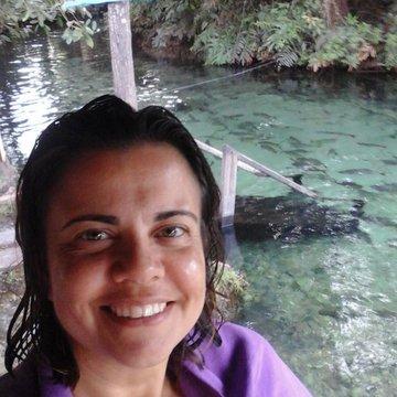 Cristiane Ferreira Moreir