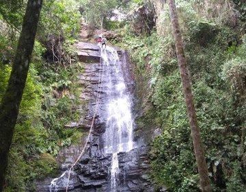 São Tomé das Letras - 1º Rapel na Cachoeira
