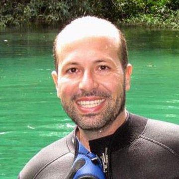 Maurício Oliveira