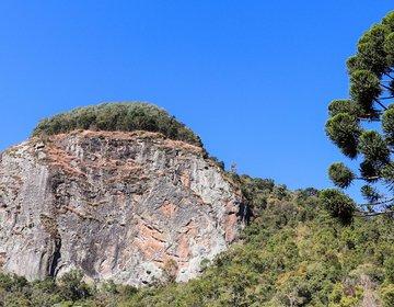 Pedra Chanfrada - Gonçalves