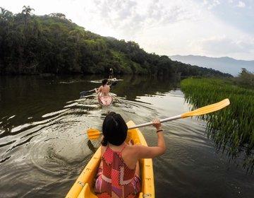 Remada de Caiaque e SUP na Lagoa Azul em Caraguatatuba