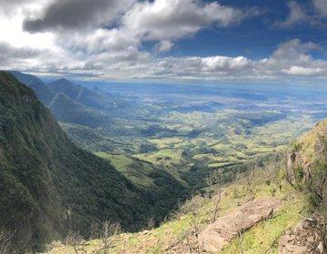 Cânion Tajuvas e Vale do Itati - Morro Azul / RS