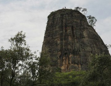 Escalando a Torre de Pedra