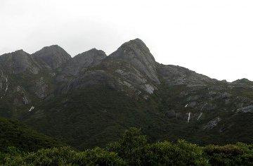 Tempestade Naufragando Tentativa de Subida Pico dos Marins