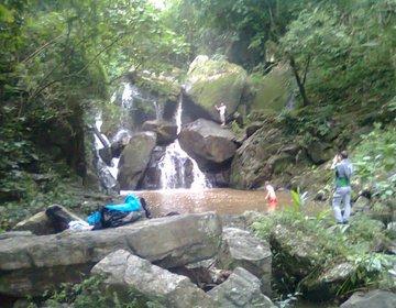 Trekking até a Cachoeira Poço da Veada